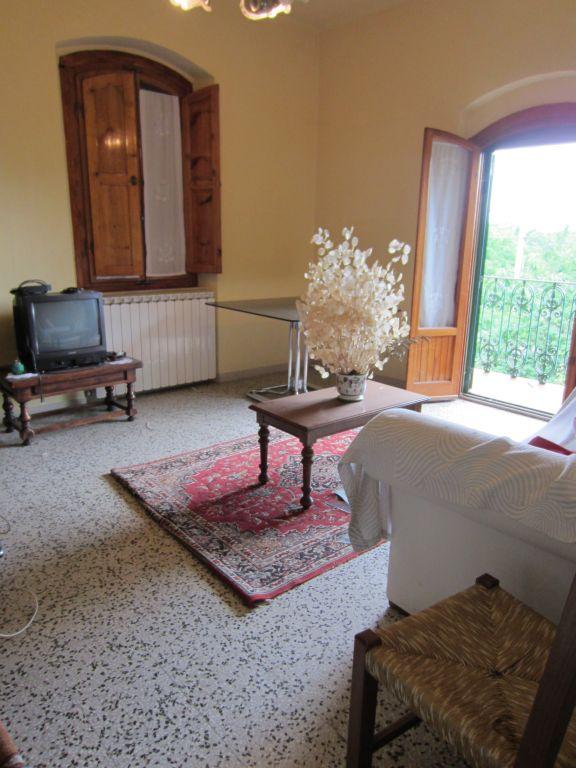 Agriturismo in vendita a Pergine Valdarno, 4 locali, zona Zona: Montalto, prezzo € 85.000 | Cambio Casa.it