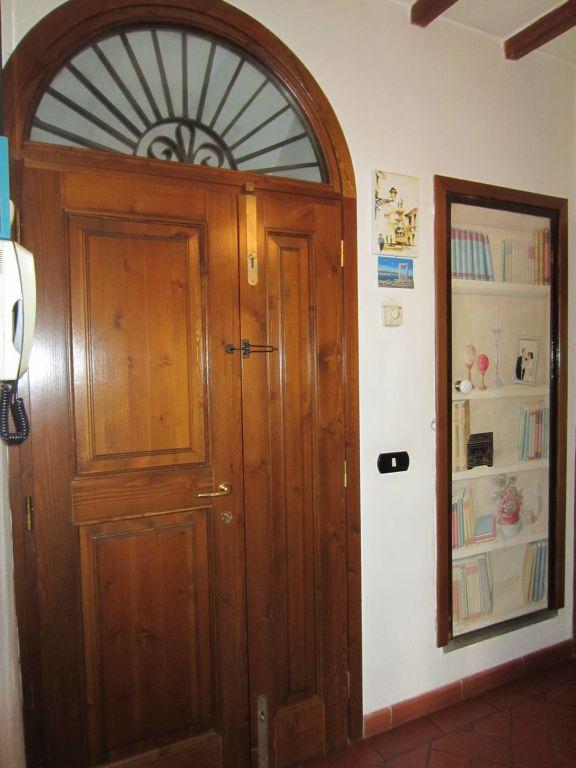 Appartamento in vendita a Bucine, 8 locali, zona Zona: Levane, prezzo € 160.000 | CambioCasa.it