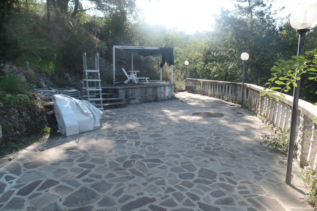 Villa in vendita a Loro Ciuffenna, 6 locali, prezzo € 425.000 | Cambio Casa.it
