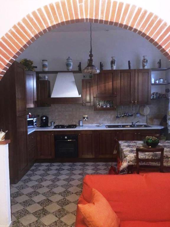 Appartamento in affitto a Bucine, 4 locali, prezzo € 140.000 | Cambio Casa.it