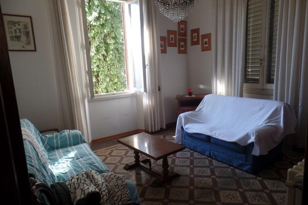 Villa in vendita a San Giovanni Valdarno, 8 locali, zona Zona: Centro, prezzo € 500.000   CambioCasa.it