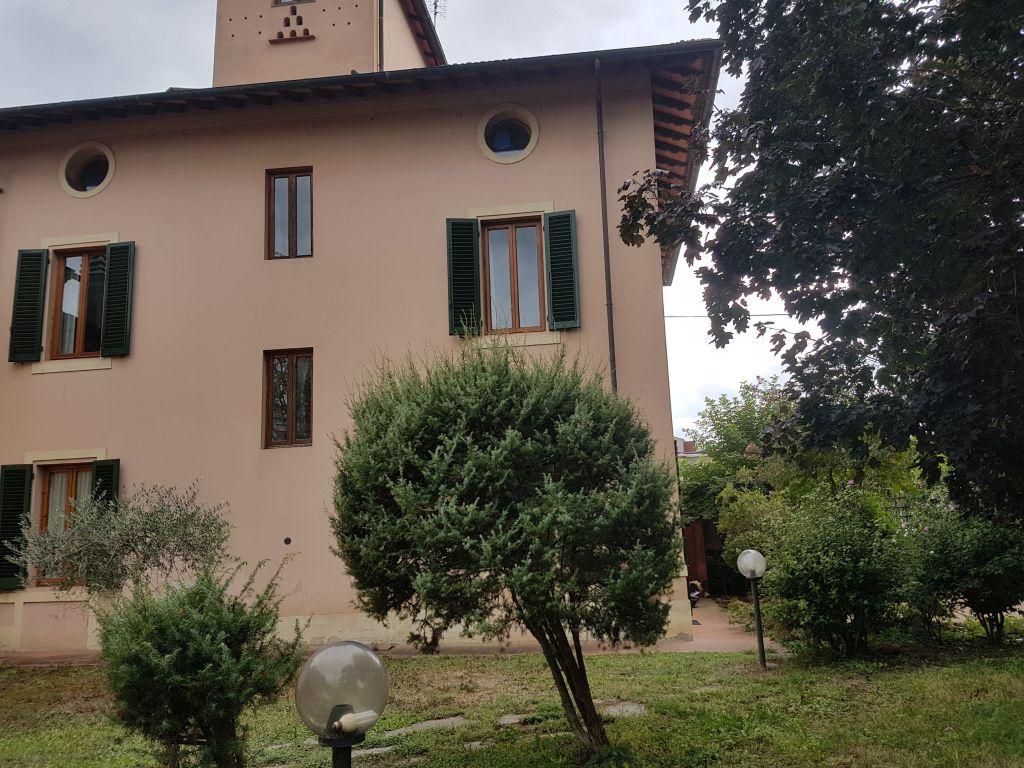 Villa in vendita a San Giovanni Valdarno, 12 locali, zona Zona: Bani, prezzo € 369.000 | CambioCasa.it