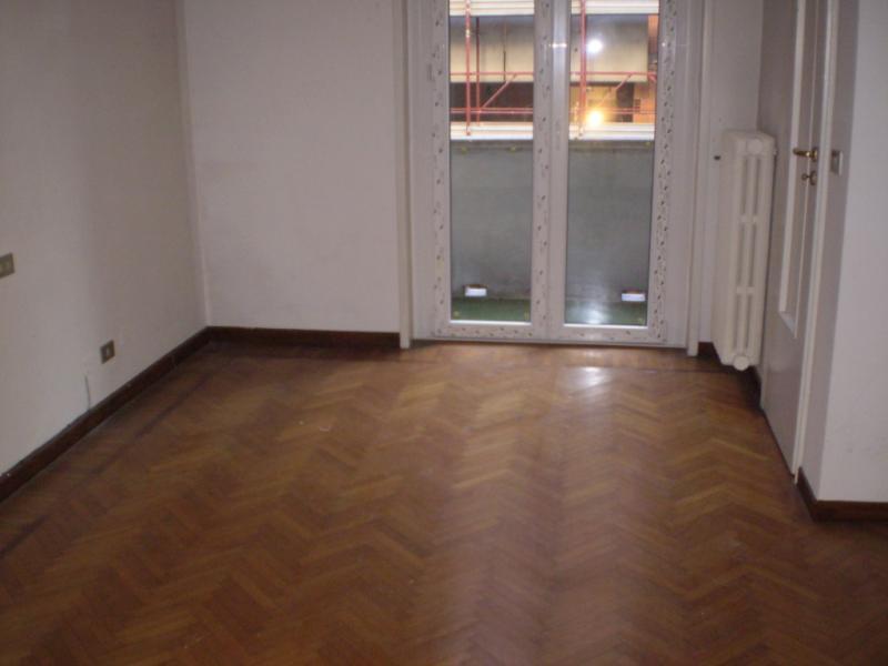 Appartamento in affitto a Milano in Via De Amicis