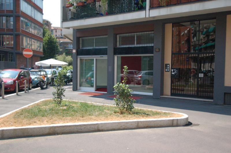 Negozio in vendita a Milano in Via Beruto