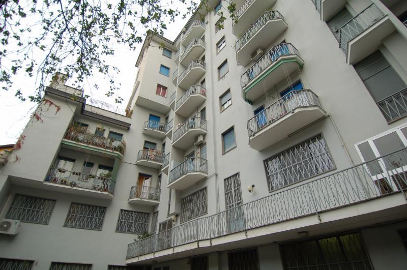 Diviso in ambienti/Locali in affitto a Milano in Corso Di Porta Romana