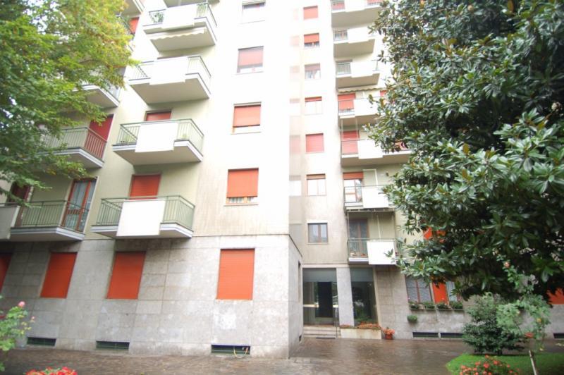 affitto appartamento milano ticinese  1850 euro  3 locali  90 mq