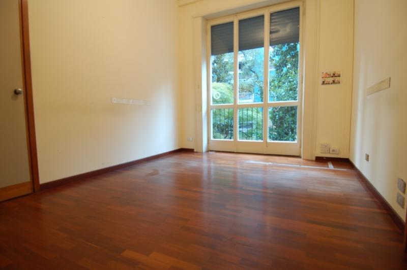 Diviso in ambienti/Locali in affitto a Milano in Via Frua