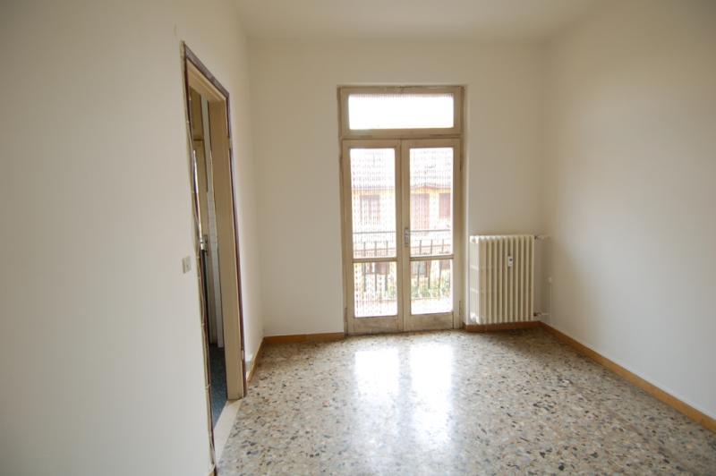 Bilocale Milano Via Rutilia 5