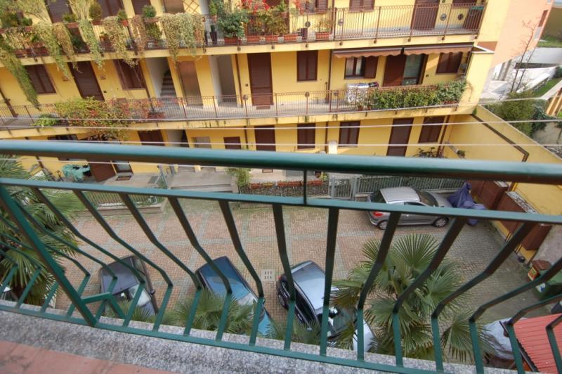 Bilocale Milano Via Rutilia 8