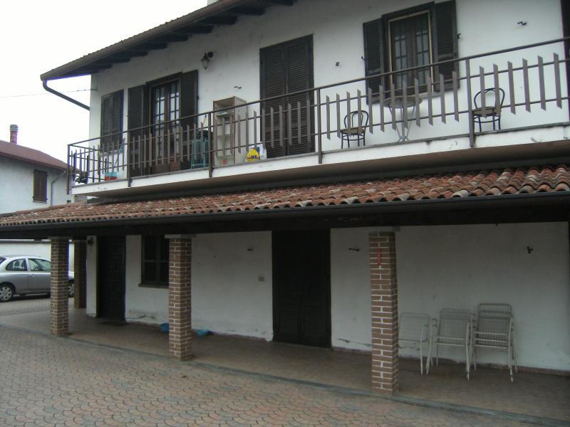 Villa vendita VINZAGLIO (NO) - 6 LOCALI - 200 MQ
