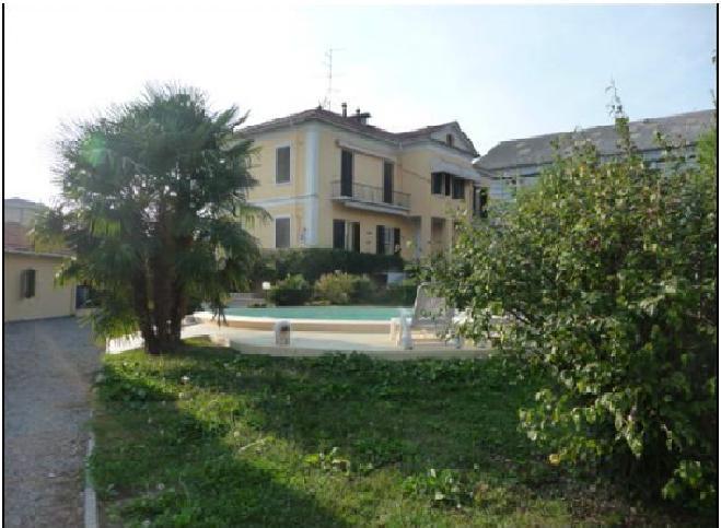 Villa in affitto a Novara, 8 locali, zona Località: S.Andrea, prezzo € 2.500 | Cambio Casa.it