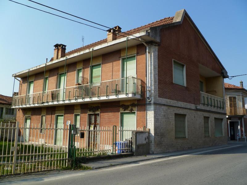 Soluzione Indipendente in vendita a Brusasco, 9 locali, prezzo € 250.000 | CambioCasa.it