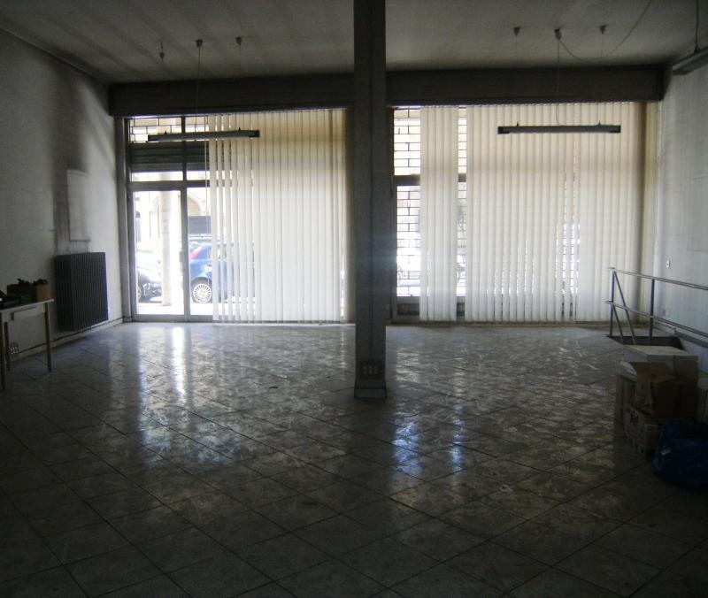 Negozio / Locale in affitto a Novara, 9999 locali, zona Località: S.Martino, prezzo € 1.100 | CambioCasa.it