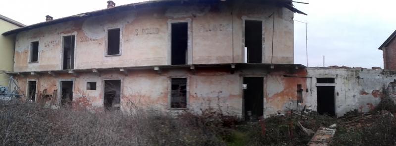 Casa Indipendente vendita SILLAVENGO (NO) - 5 LOCALI - 450 MQ