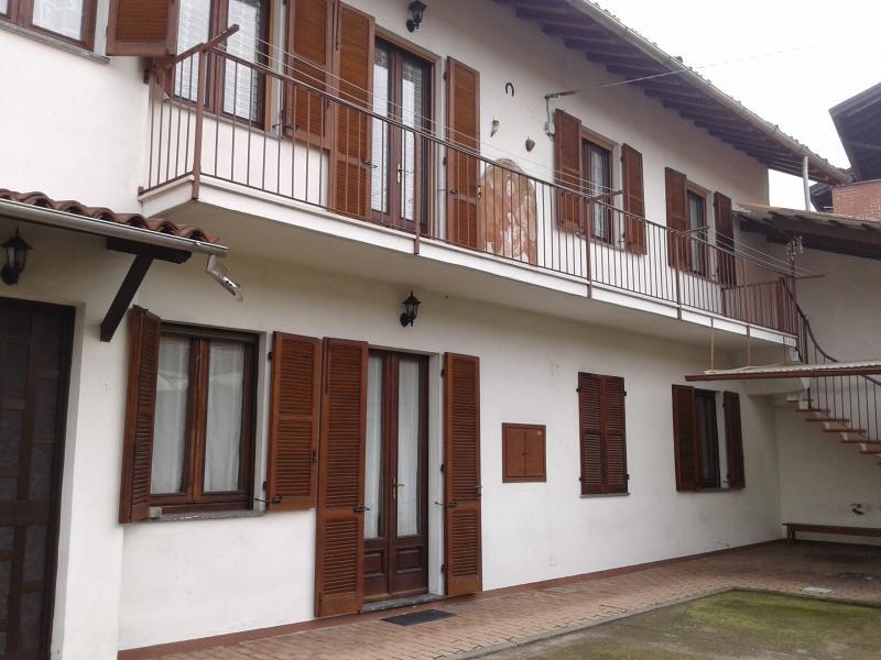 Appartamento in vendita a Borgo Vercelli, 3 locali, prezzo € 100.000 | Cambio Casa.it