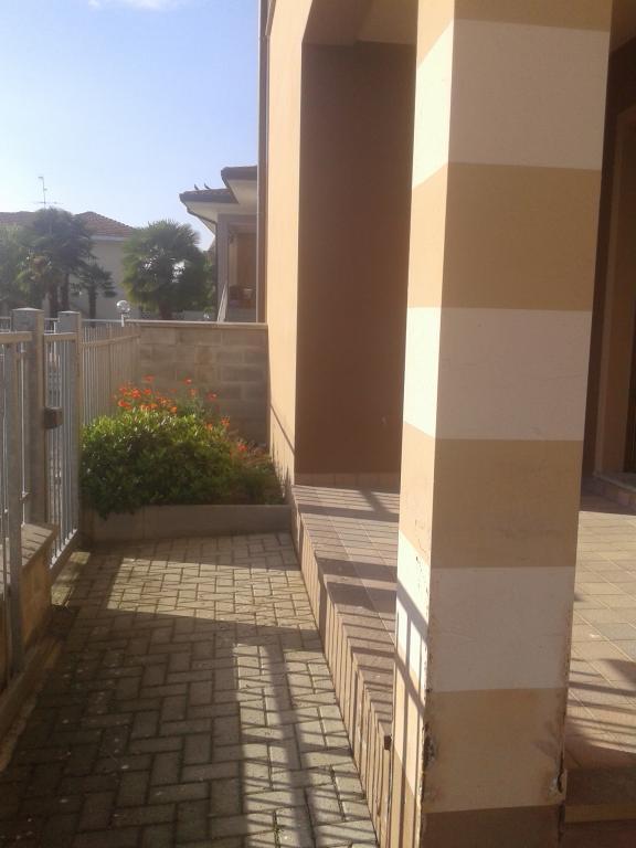 Appartamento in vendita a Momo, 3 locali, prezzo € 155.000 | Cambio Casa.it
