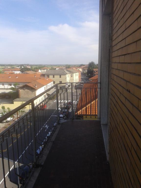 Appartamento in vendita a Momo, 3 locali, prezzo € 85.000 | Cambio Casa.it