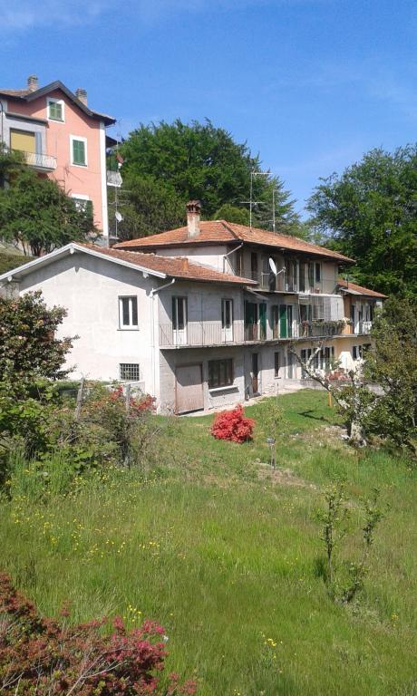 Casa Indipendente vendita AMENO (NO) - 6 LOCALI - 190 MQ