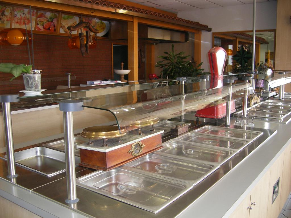 Negozio / Locale in vendita a Trecate, 9999 locali, Trattative riservate | CambioCasa.it