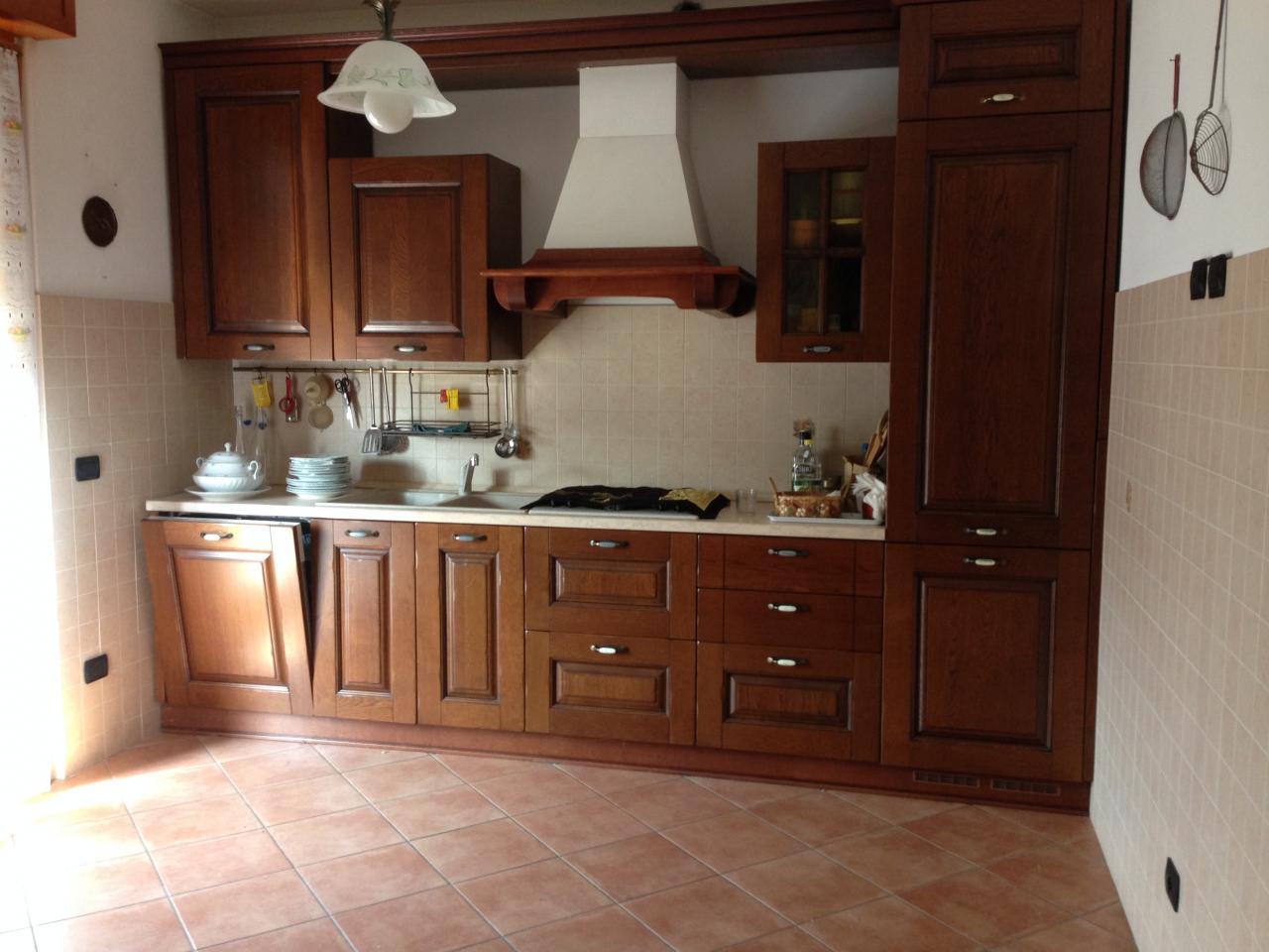 Appartamento in vendita a Sozzago, 4 locali, prezzo € 160.000 | Cambio Casa.it