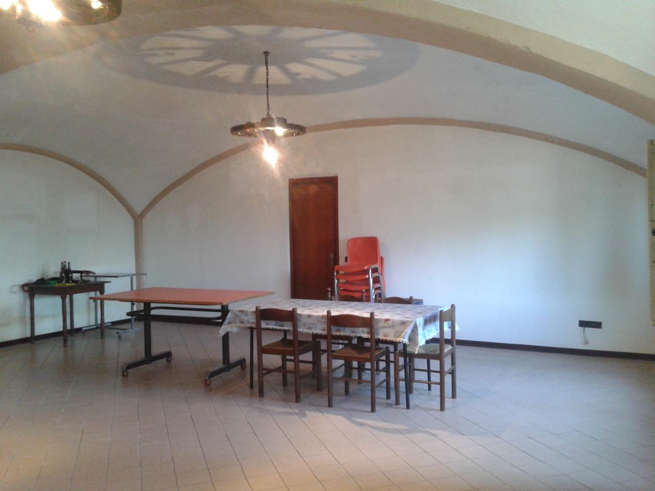 Casa Indipendente vendita GRANOZZO CON MONTICELLO (NO) - 4 LOCALI - 210 MQ
