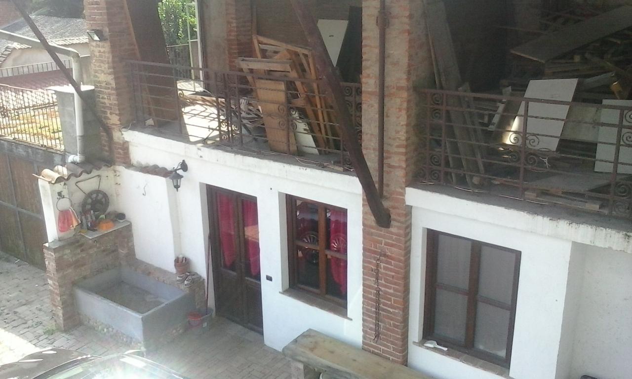 Casa Indipendente vendita NOVARA (NO) - 6 LOCALI - 240 MQ