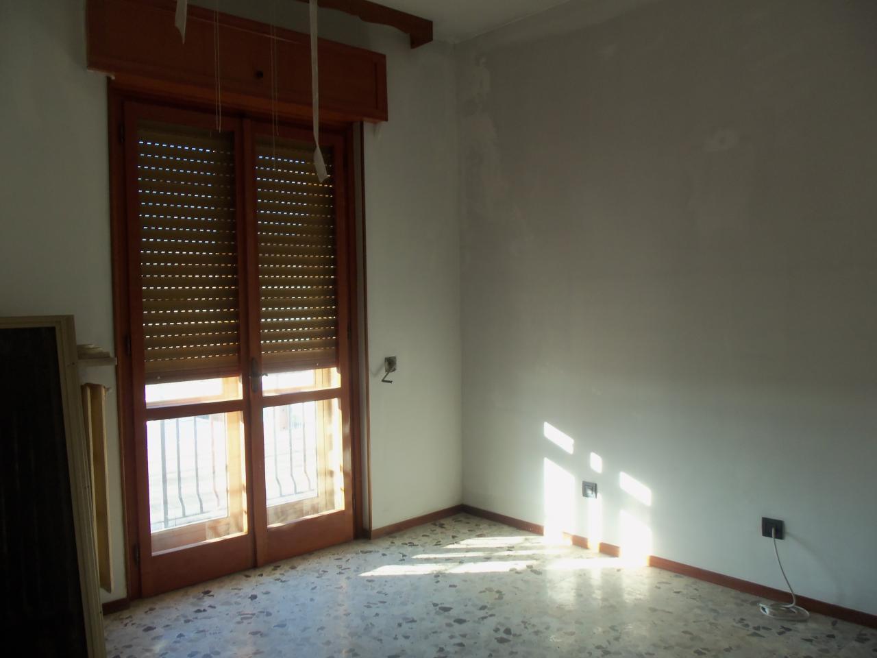 Soluzione Indipendente in vendita a Nibbiola, 6 locali, prezzo € 350.000 | CambioCasa.it