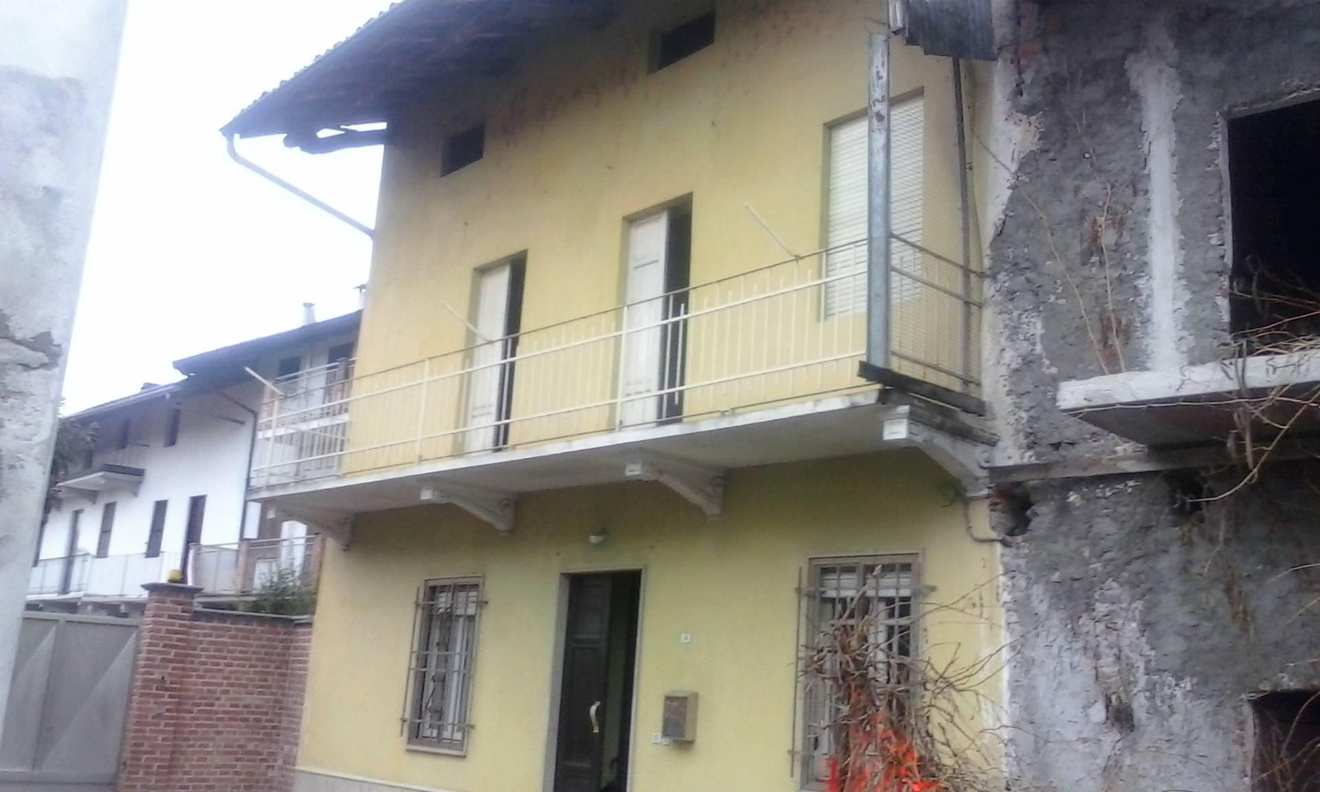 Soluzione Indipendente in vendita a Novara, 5 locali, prezzo € 50.000 | Cambio Casa.it