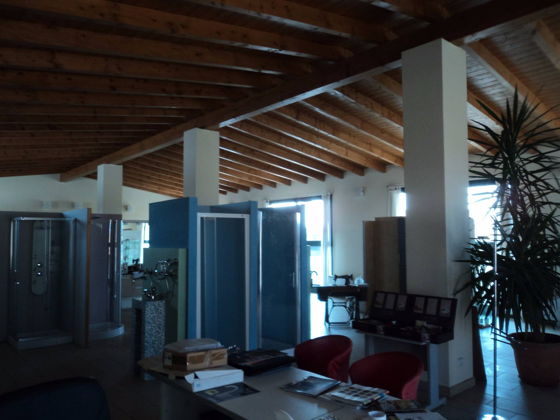 Negozio / Locale in affitto a Galliate, 9999 locali, prezzo € 399.000 | Cambio Casa.it