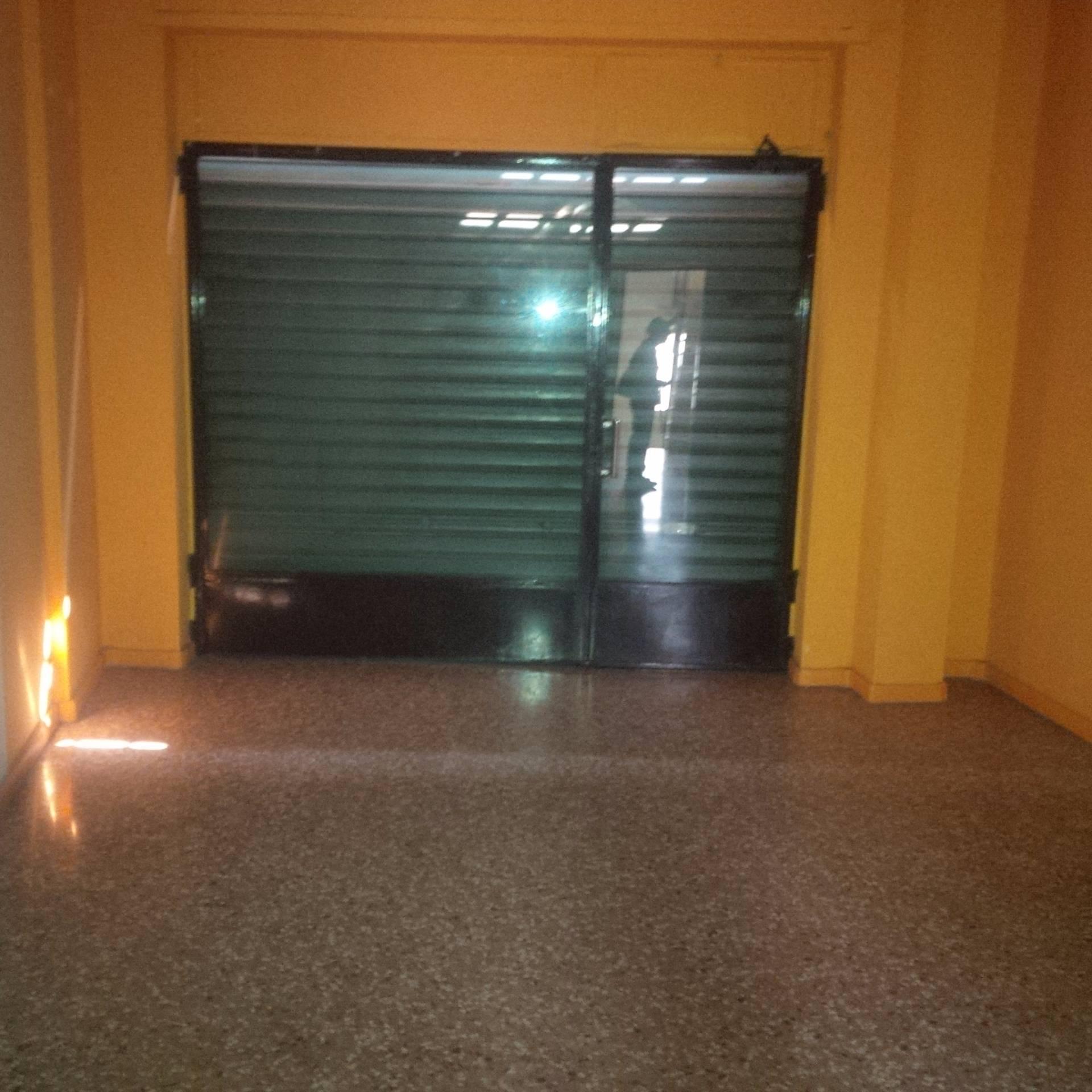 Negozio / Locale in affitto a Novara, 9999 locali, zona Località: S.Martino, prezzo € 48.000 | CambioCasa.it