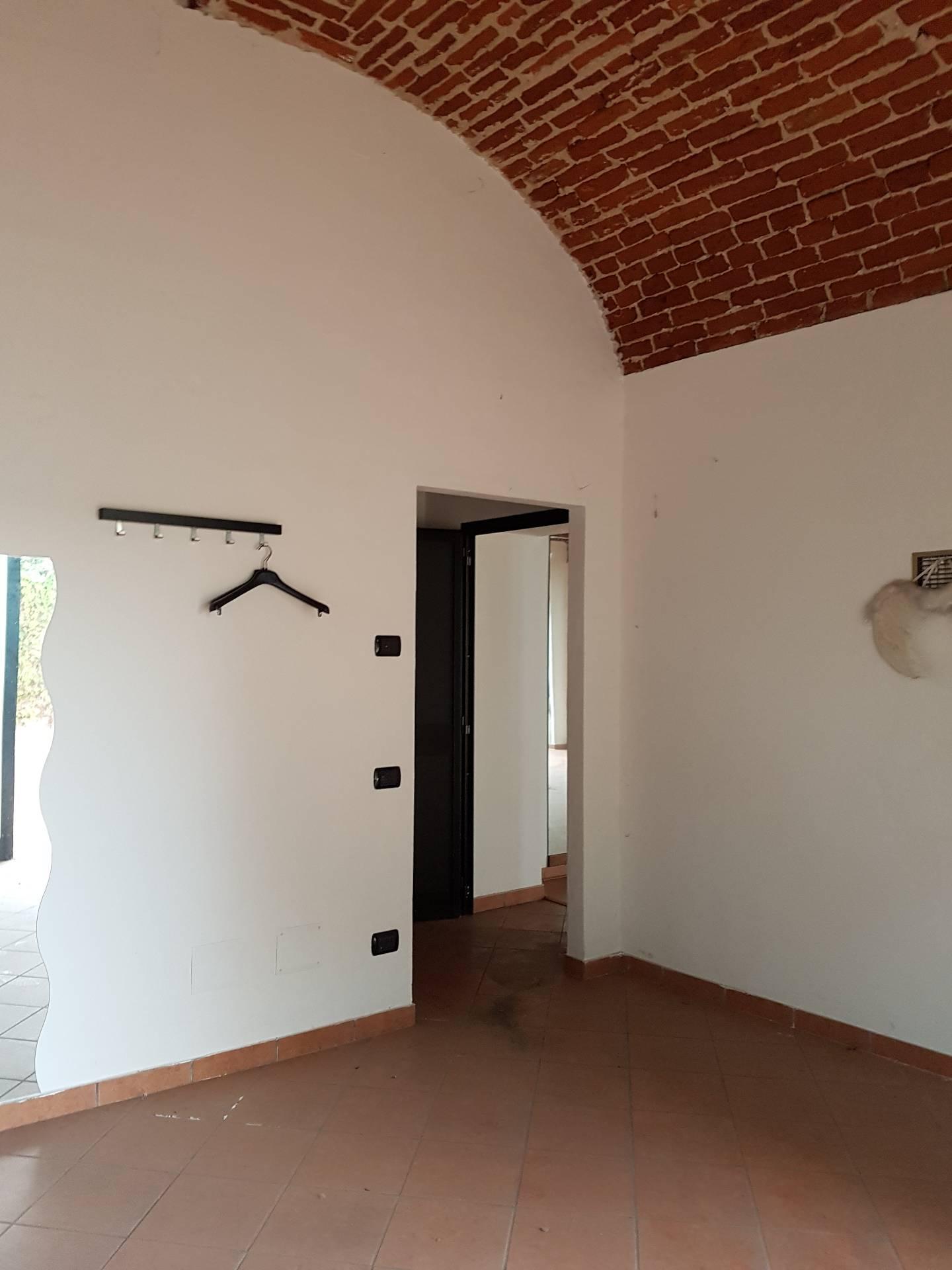 Negozio / Locale in vendita a Vercelli, 9999 locali, zona Zona: Periferia, prezzo € 59.000 | Cambio Casa.it