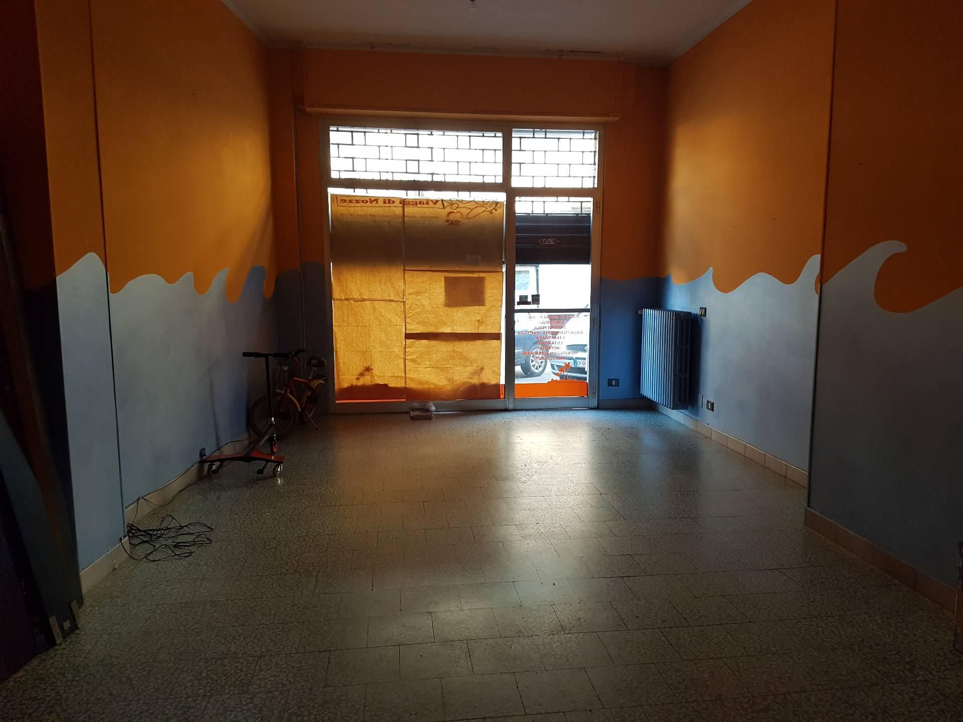 Negozio / Locale in affitto a Novara, 9999 locali, prezzo € 500 | Cambio Casa.it