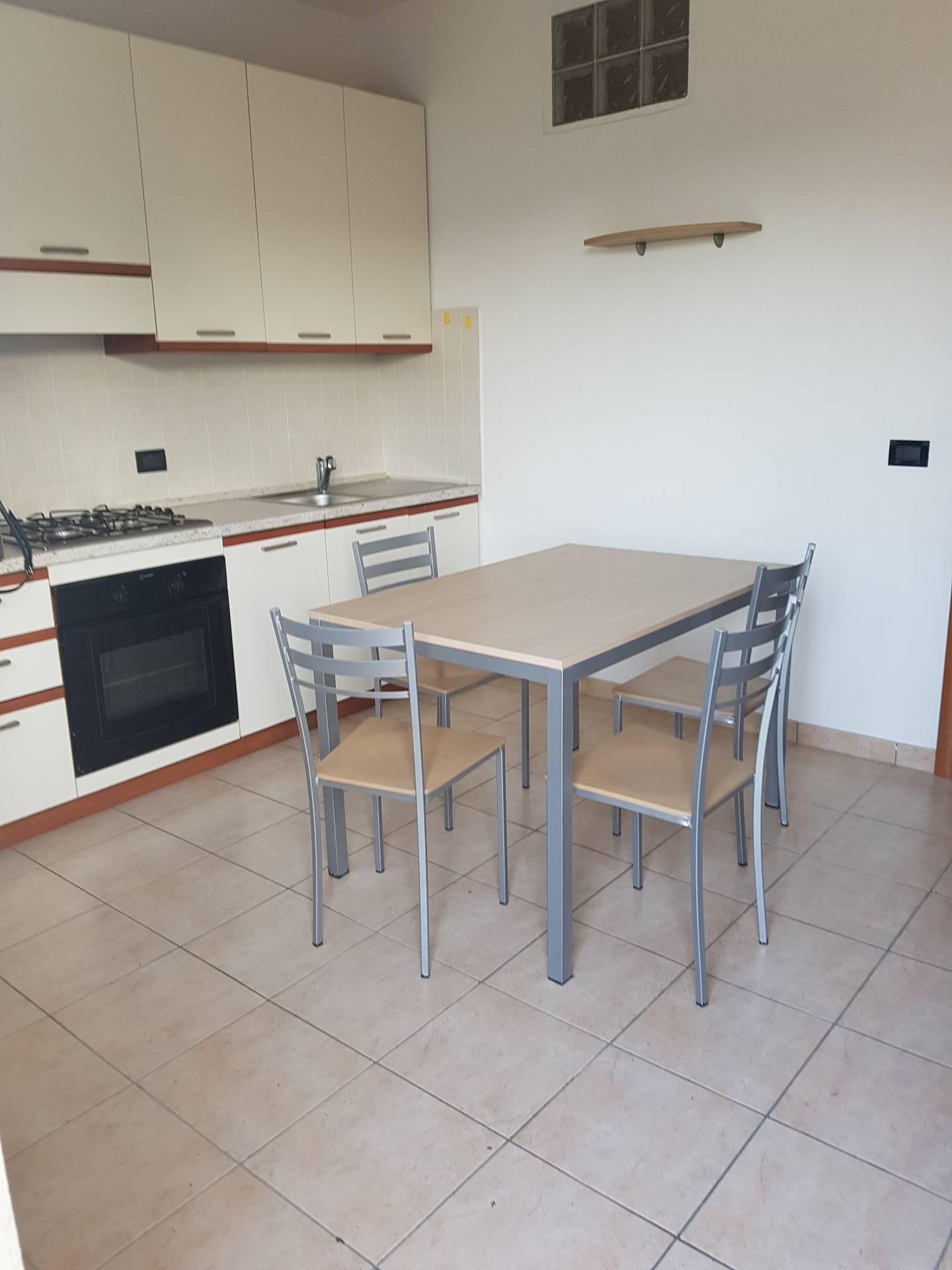 Appartamento in affitto a Fara Novarese, 2 locali, prezzo € 350 | CambioCasa.it