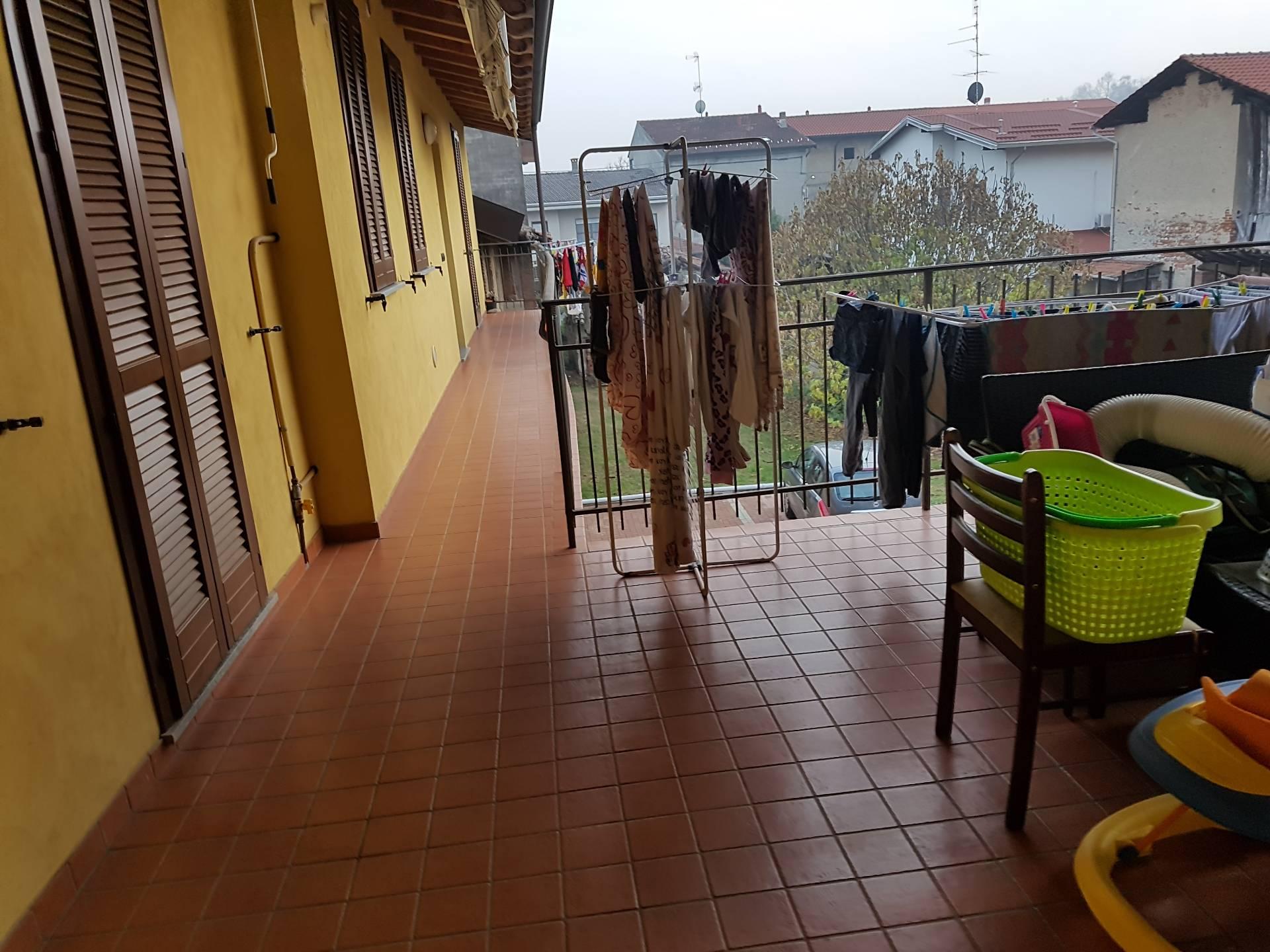 Appartamento in vendita a Bellinzago Novarese, 3 locali, prezzo € 70.000   CambioCasa.it
