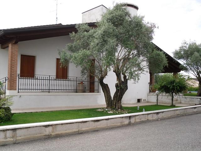 Villa vendita VERONELLA (VR) - 7 LOCALI - 300 MQ