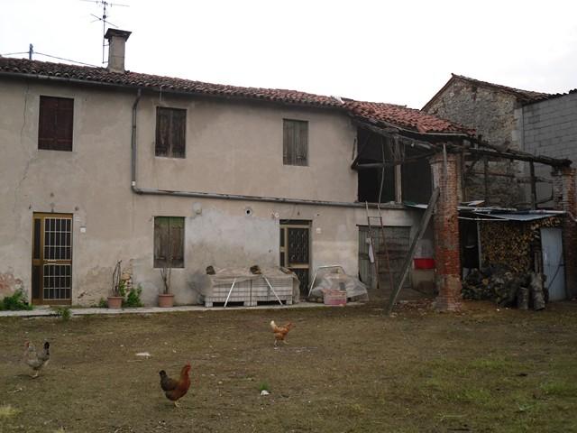 Rustico / Casale in vendita a Lonigo, 5 locali, zona Zona: Madonna, prezzo € 150.000 | Cambio Casa.it
