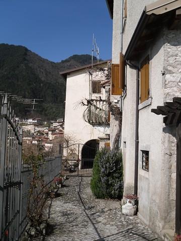 Soluzione Indipendente in vendita a Tremosine, 8 locali, prezzo € 190.000 | Cambio Casa.it