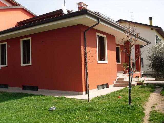 Soluzione Indipendente in vendita a San Bonifacio, 5 locali, zona Zona: Prova, prezzo € 365.000 | Cambio Casa.it