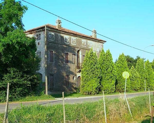 Villa in vendita a Verona, 10 locali, prezzo € 750.000 | Cambio Casa.it