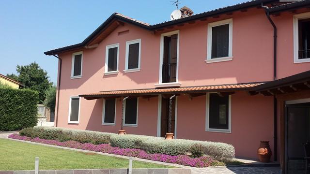 Soluzione Indipendente in vendita a Soave, 11 locali, Trattative riservate | Cambio Casa.it