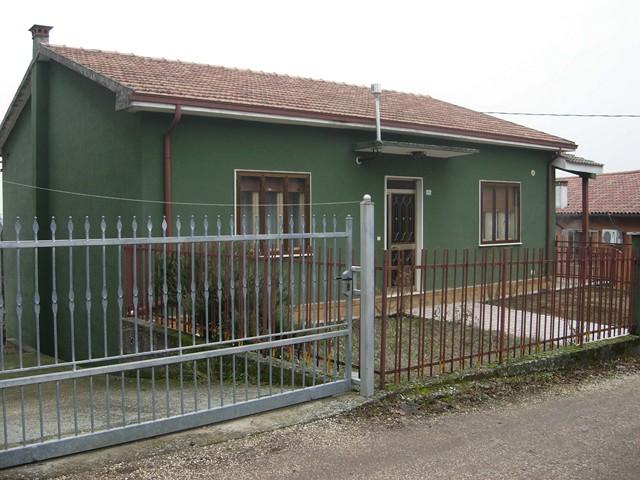 Soluzione Indipendente in vendita a Monteforte d'Alpone, 5 locali, zona Zona: Costalunga, prezzo € 130.000 | Cambio Casa.it