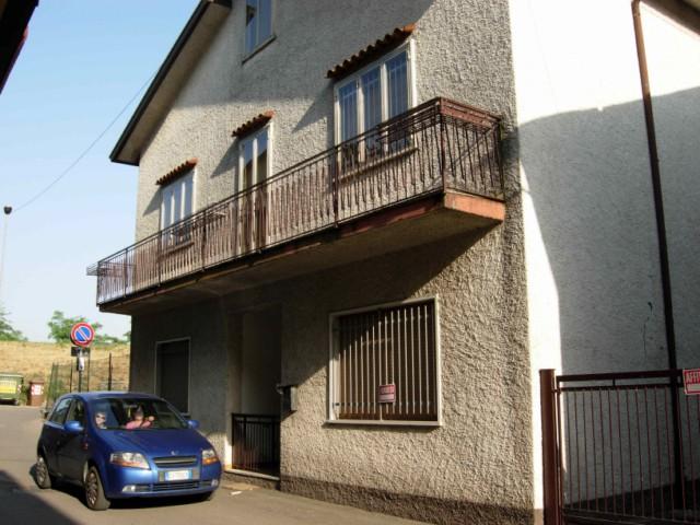 Soluzione Indipendente in vendita a Monteforte d'Alpone, 9 locali, prezzo € 220.000 | Cambio Casa.it