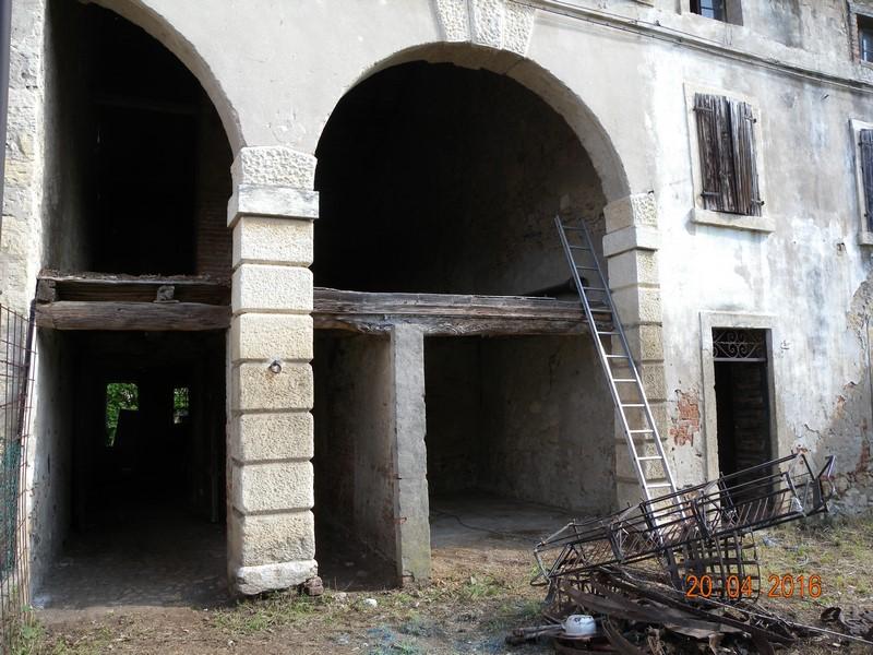 Rustico / Casale in vendita a Colognola ai Colli, 6 locali, prezzo € 80.000 | CambioCasa.it