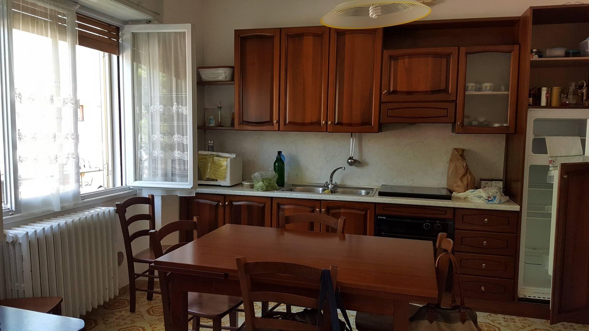 Soluzione Indipendente in vendita a Monteforte d'Alpone, 7 locali, prezzo € 165.000 | CambioCasa.it