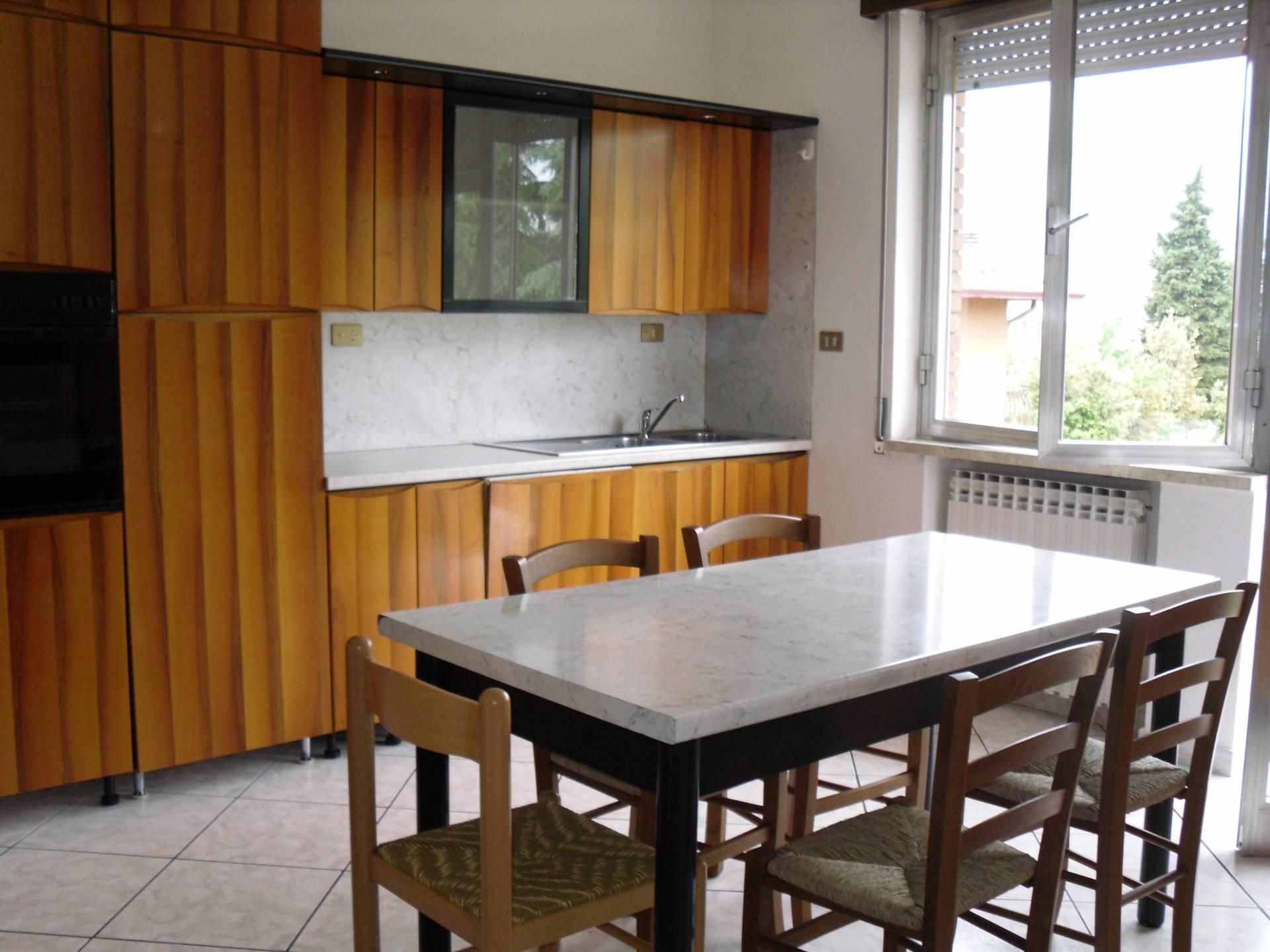 Appartamento in affitto a Montecchia di Crosara, 4 locali, prezzo € 370 | Cambio Casa.it