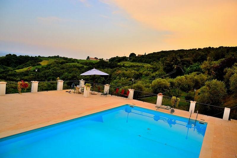 Villa in vendita a San Martino Buon Albergo, 10 locali, Trattative riservate | Cambio Casa.it