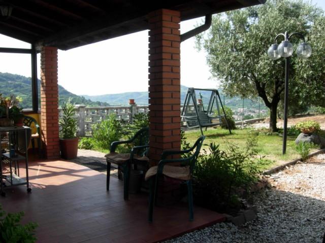 Soluzione Indipendente in vendita a Montecchia di Crosara, 7 locali, prezzo € 180.000 | Cambio Casa.it