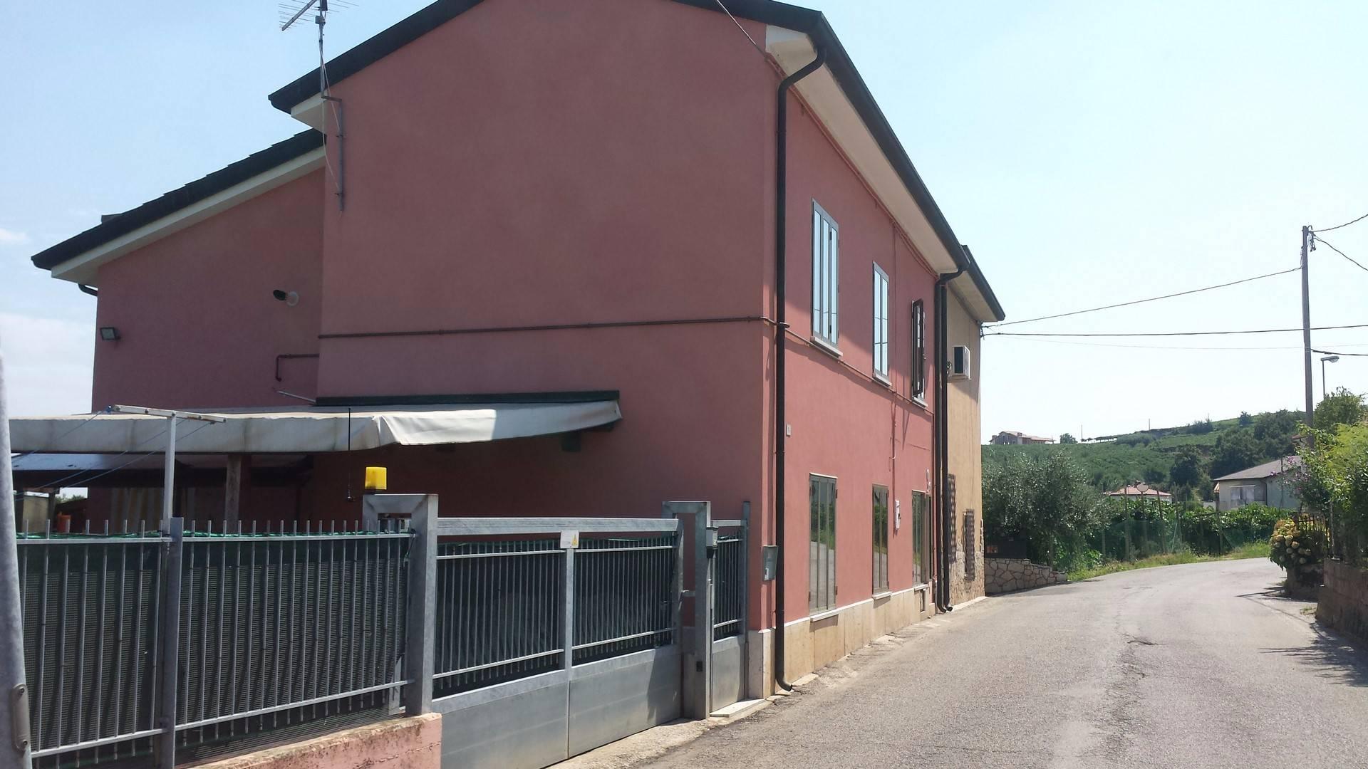 Soluzione Indipendente in vendita a Monteforte d'Alpone, 6 locali, prezzo € 125.000 | Cambio Casa.it
