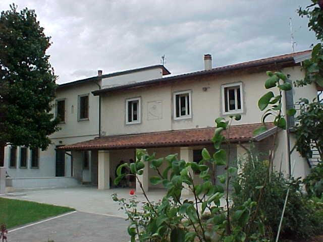 Villa in vendita a Monteforte d'Alpone, 9 locali, prezzo € 380.000 | CambioCasa.it