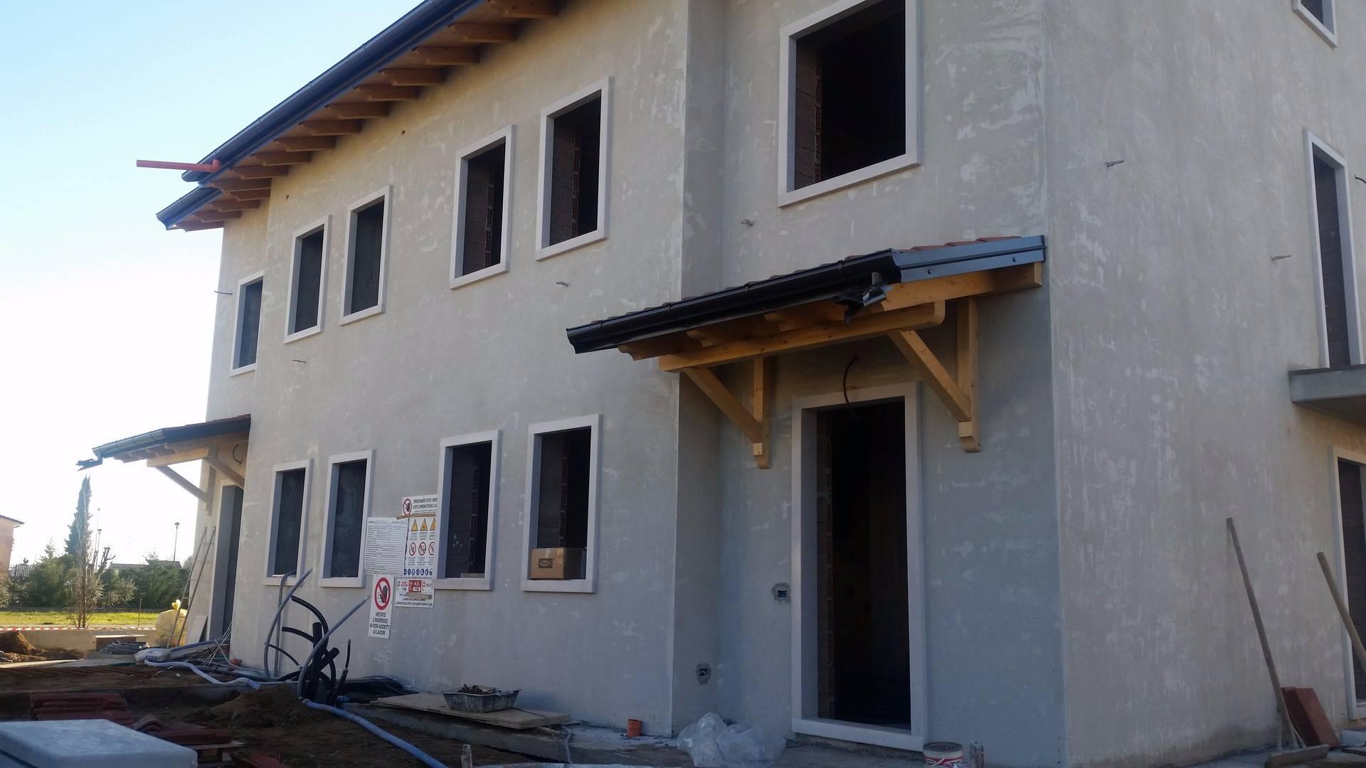Villa Bifamiliare in vendita a San Bonifacio, 7 locali, zona Zona: Prova, prezzo € 380.000 | CambioCasa.it